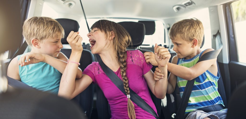 10 ways to keep kids happy in the car