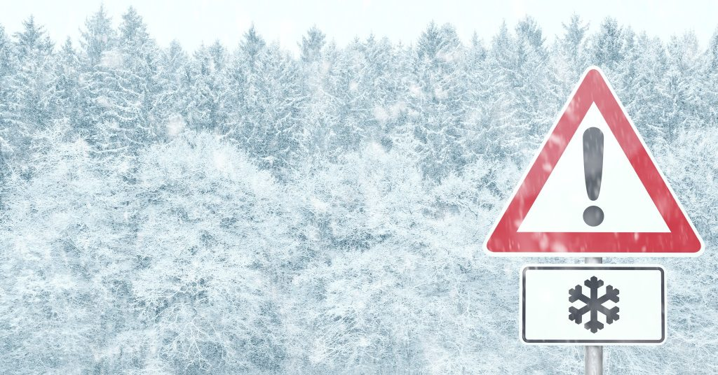 Top 9 things you should keep in your car this winter