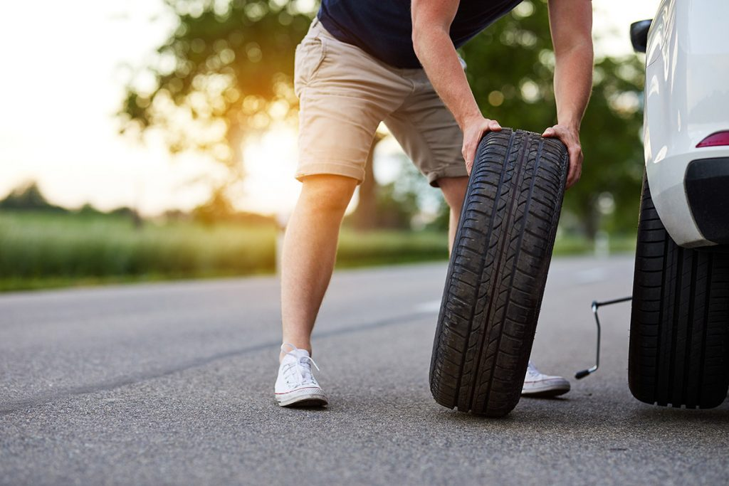 Our top 10 tips for changing a tyre